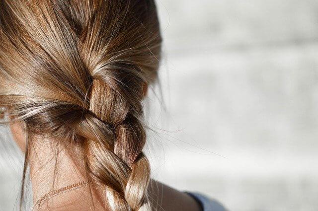 女の子の髪